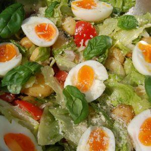 Rijk gevulde crunchy cos salade Hellofresh