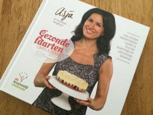 Boek gezonde taarten Asja