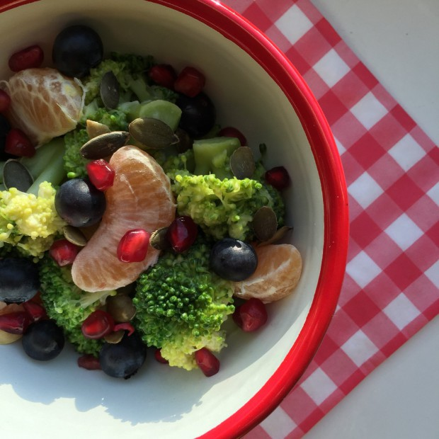Healthy broccoli salade