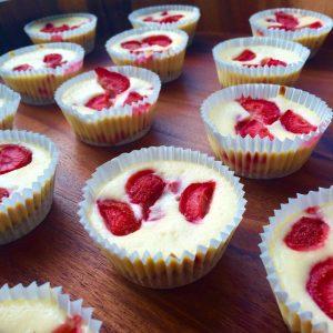 Mini cheesecake met aardbeien
