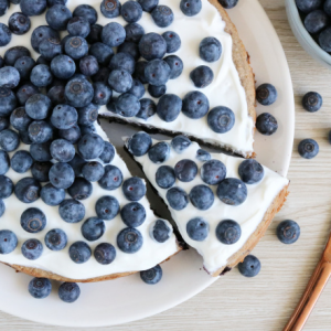 Bananenbrood taart met blauwe bessen